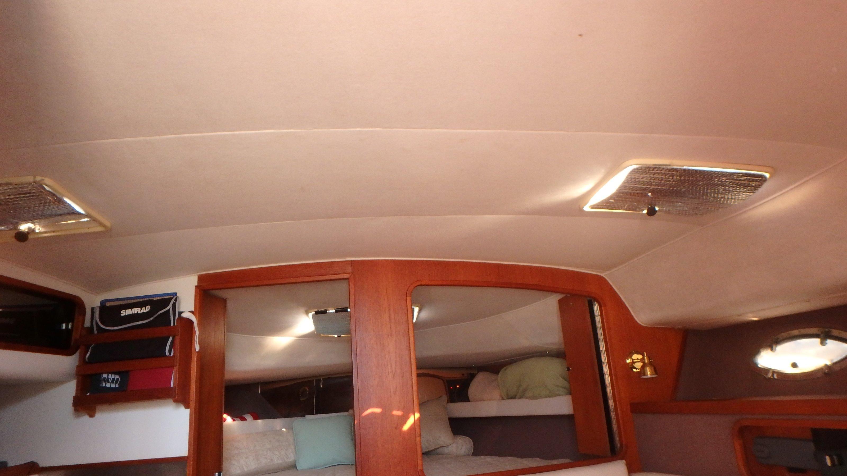 Tiara Yachts 3100 Tower - Photo: #19