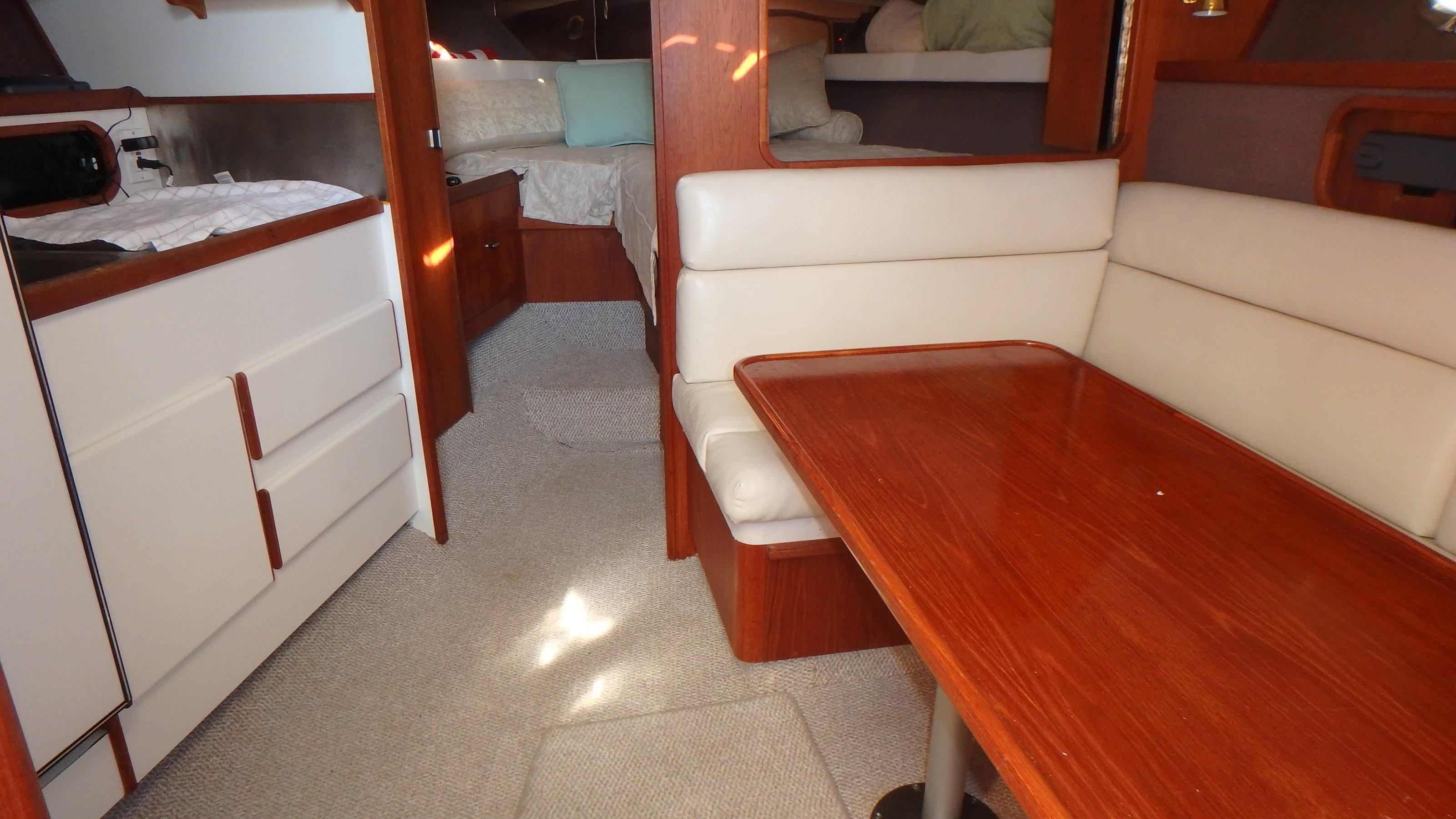 Tiara Yachts 3100 Tower - Photo: #20