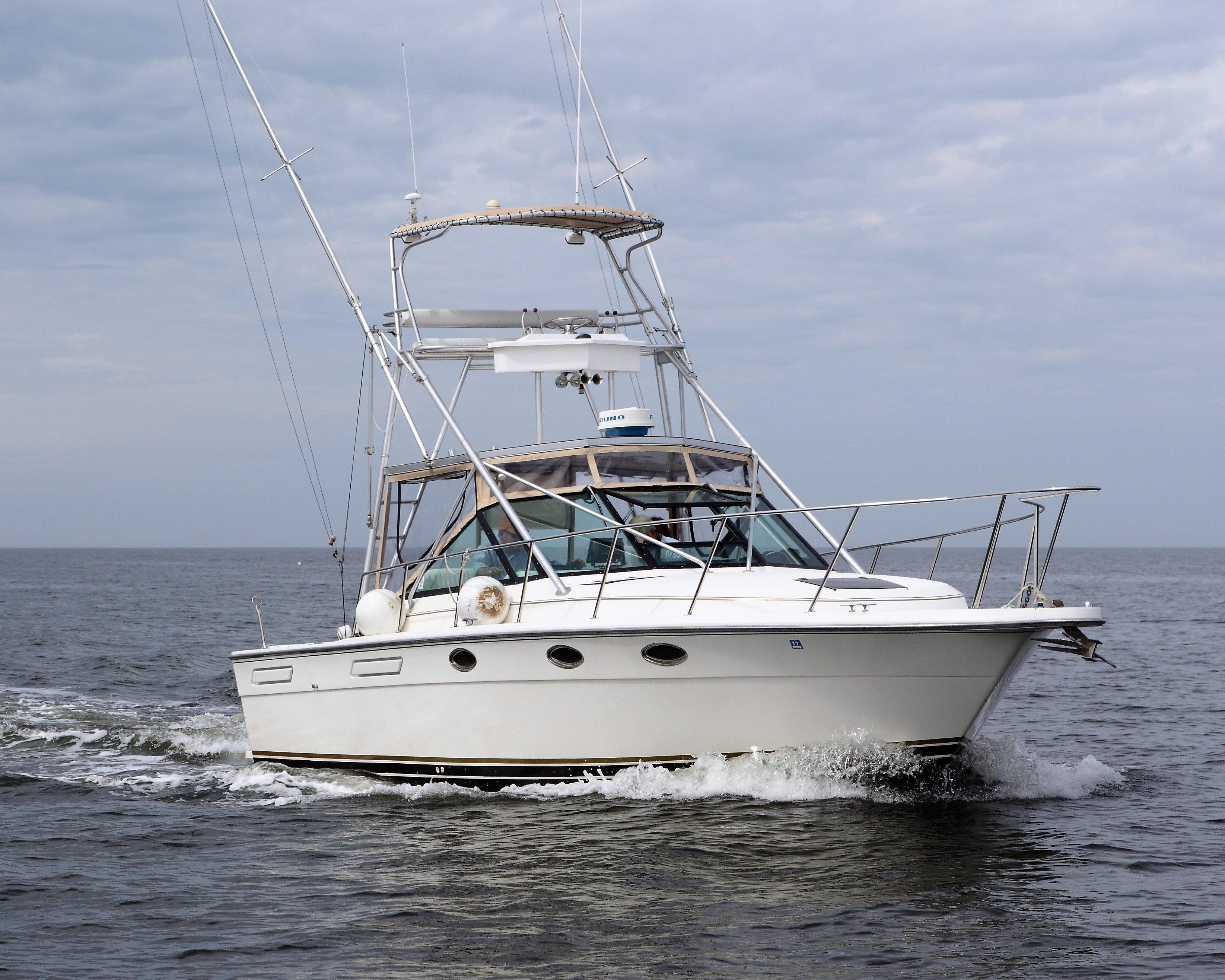 Tiara Yachts 3100 Tower - Photo: #1