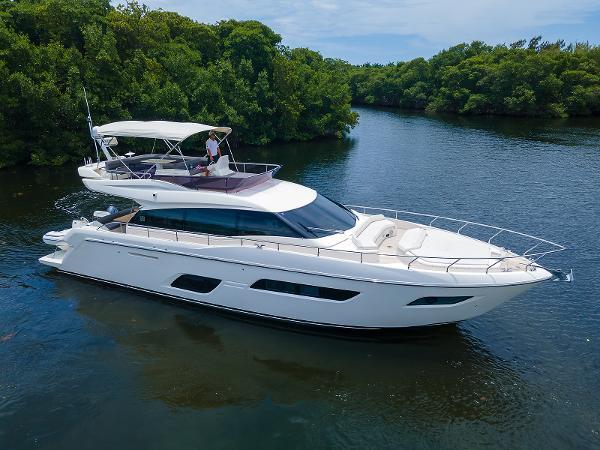 2018 Ferretti Yachts 550 Ferretti