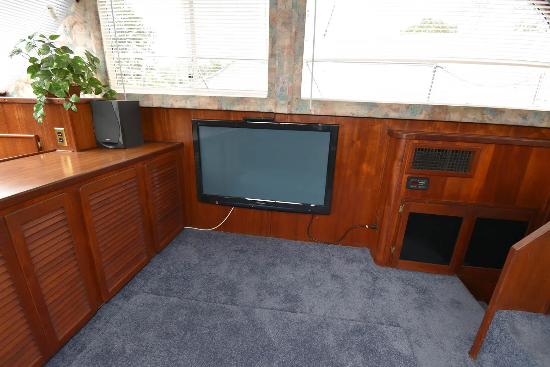 M 5729 JP Knot 10 Yacht Sales