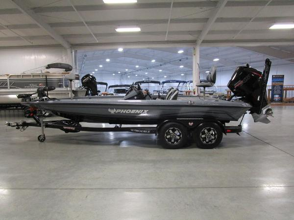2021 Phoenix boat for sale, model of the boat is 721 ProXP & Image # 1 of 54