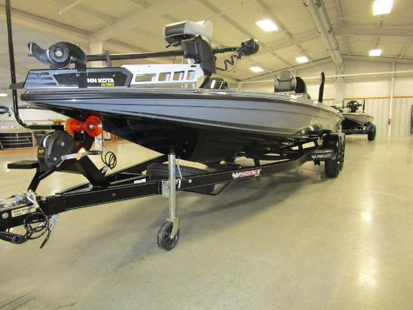 2021 Phoenix boat for sale, model of the boat is 721 ProXP & Image # 4 of 54