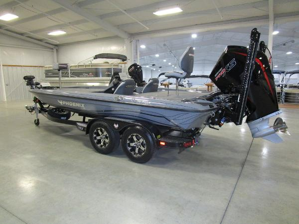 2021 Phoenix boat for sale, model of the boat is 721 ProXP & Image # 5 of 54