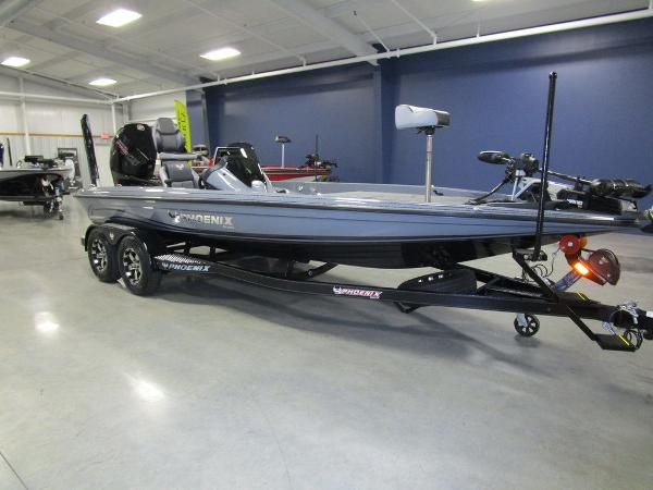 2021 Phoenix boat for sale, model of the boat is 721 ProXP & Image # 7 of 54
