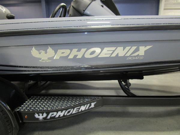 2021 Phoenix boat for sale, model of the boat is 721 ProXP & Image # 8 of 54
