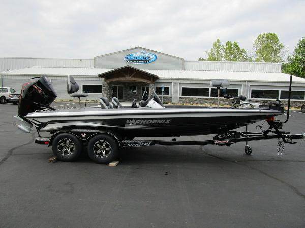 2021 Phoenix boat for sale, model of the boat is 721 ProXP & Image # 1 of 48