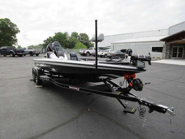 2021 Phoenix boat for sale, model of the boat is 721 ProXP & Image # 4 of 48