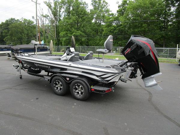 2021 Phoenix boat for sale, model of the boat is 721 ProXP & Image # 6 of 48