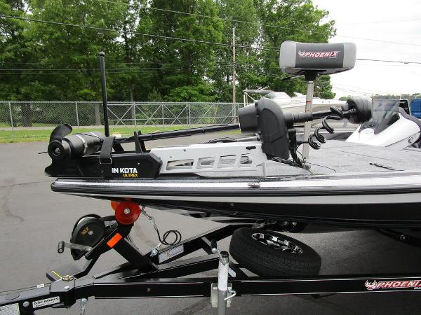 2021 Phoenix boat for sale, model of the boat is 721 ProXP & Image # 10 of 48