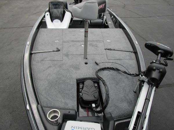 2021 Phoenix boat for sale, model of the boat is 721 ProXP & Image # 15 of 48