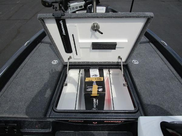 2021 Phoenix boat for sale, model of the boat is 721 ProXP & Image # 23 of 48