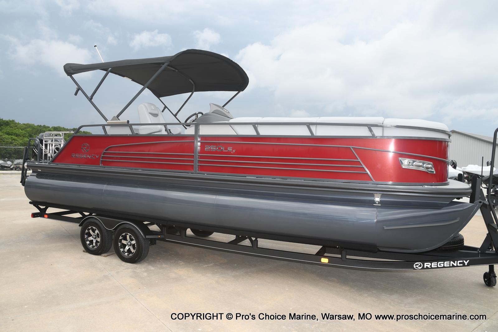 2021 Regency boat for sale, model of the boat is 250 LE3 Sport & Image # 1 of 25