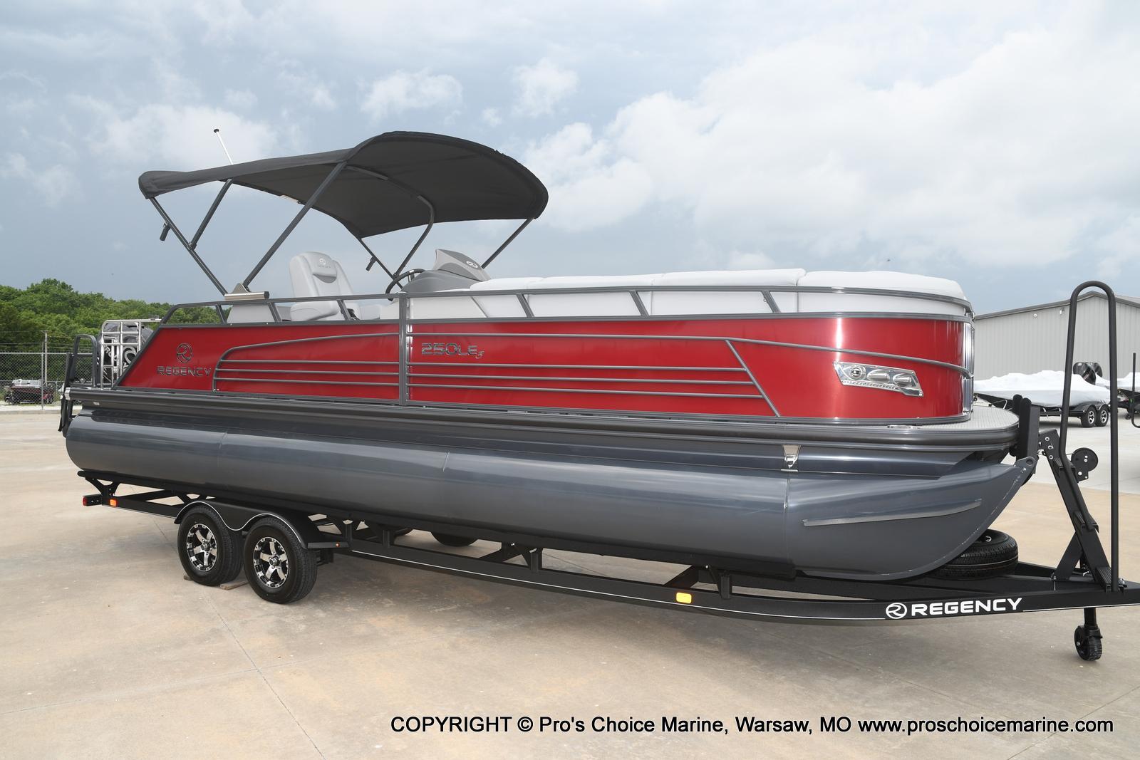 2021 Regency boat for sale, model of the boat is 250 LE3 Sport & Image # 12 of 25
