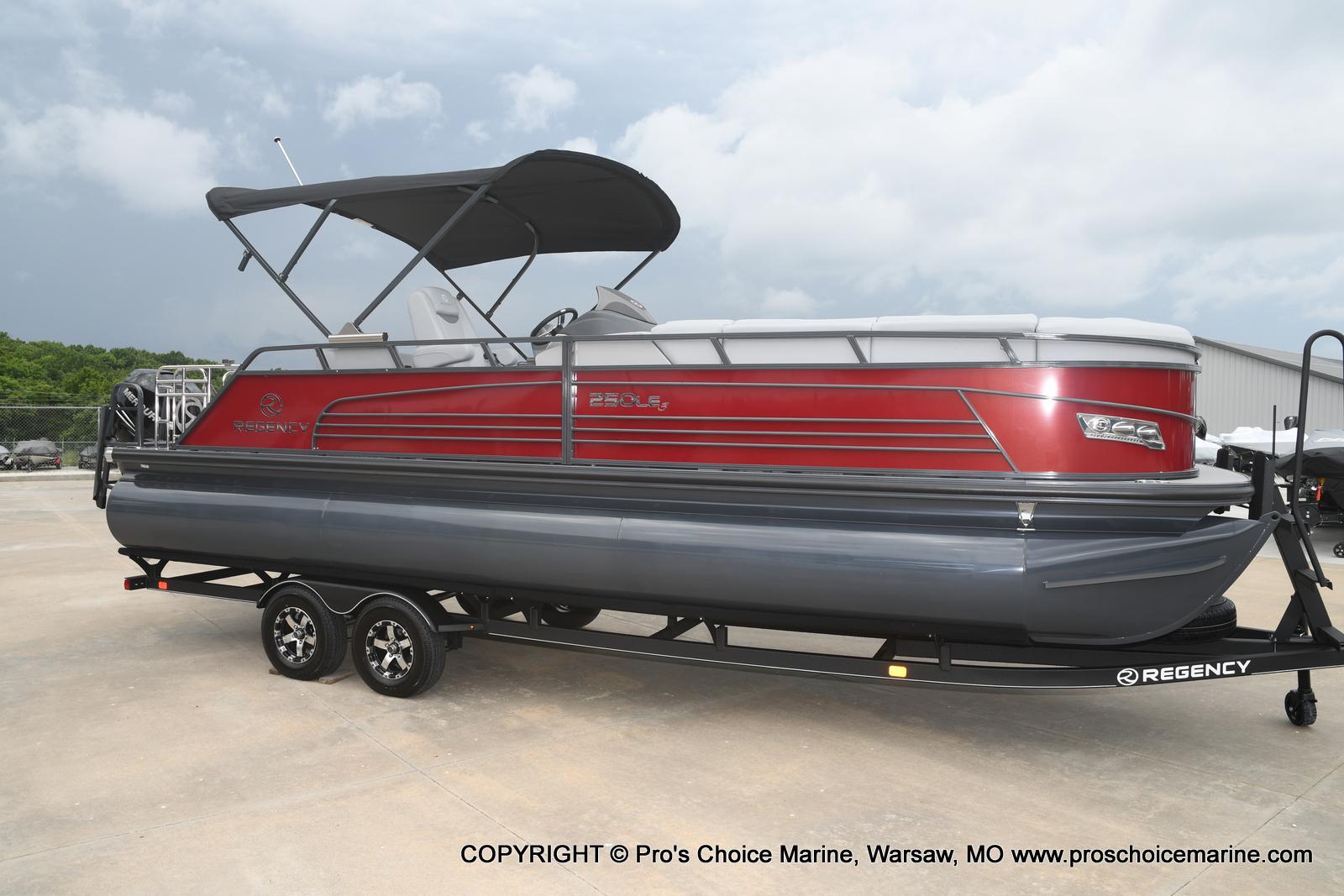 2021 Regency boat for sale, model of the boat is 250 LE3 Sport & Image # 16 of 25