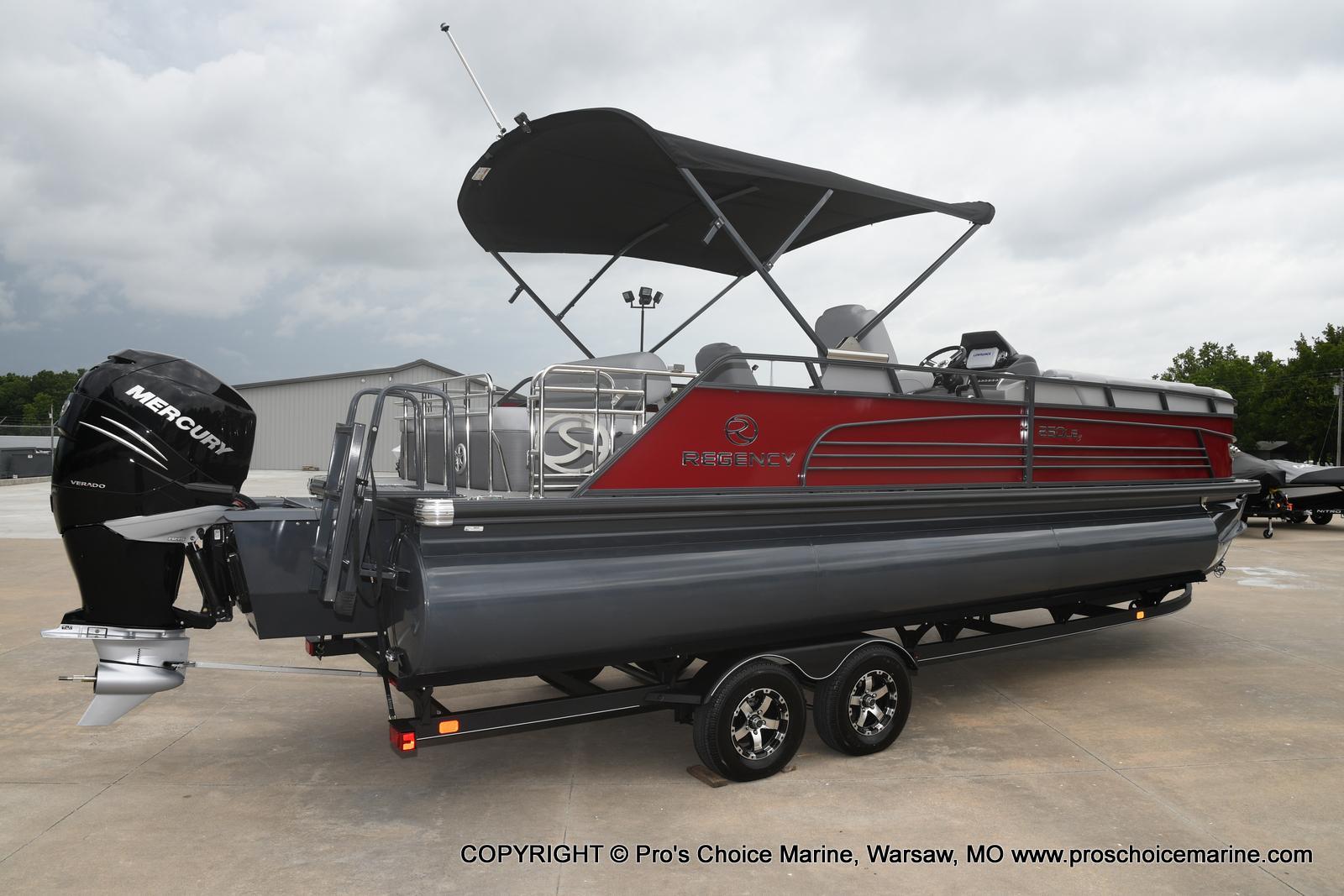 2021 Regency boat for sale, model of the boat is 250 LE3 Sport & Image # 17 of 25