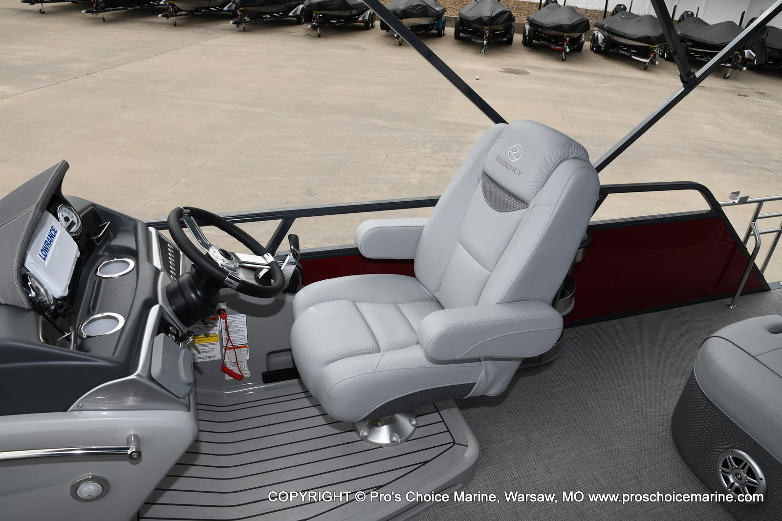 2021 Regency boat for sale, model of the boat is 250 LE3 Sport & Image # 3 of 25