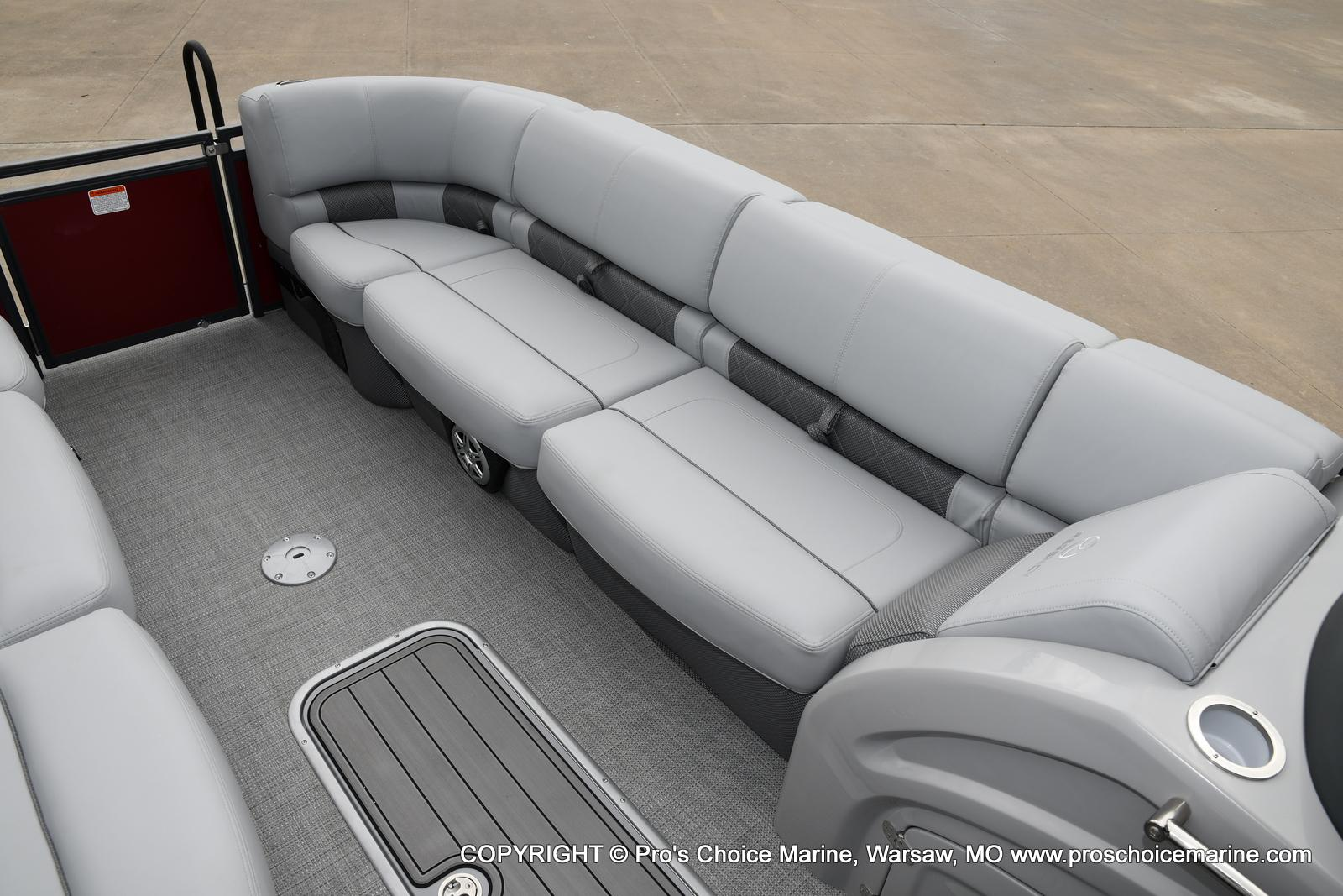 2021 Regency boat for sale, model of the boat is 250 LE3 Sport & Image # 5 of 25