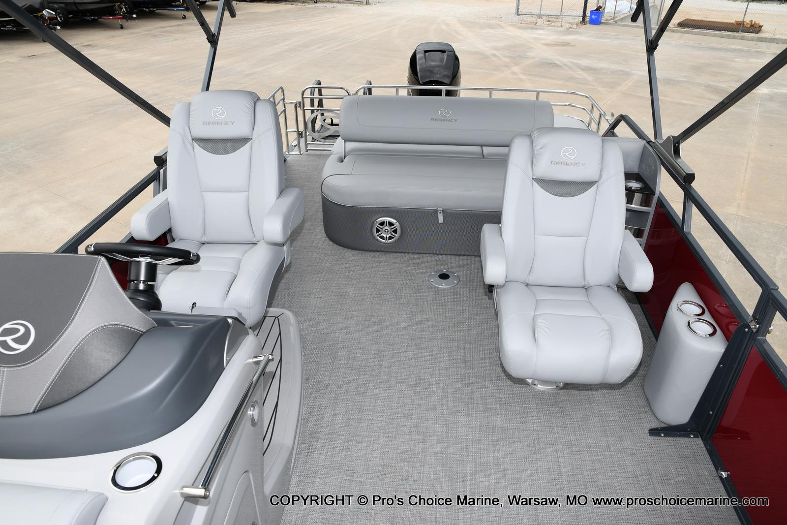 2021 Regency boat for sale, model of the boat is 250 LE3 Sport & Image # 24 of 25