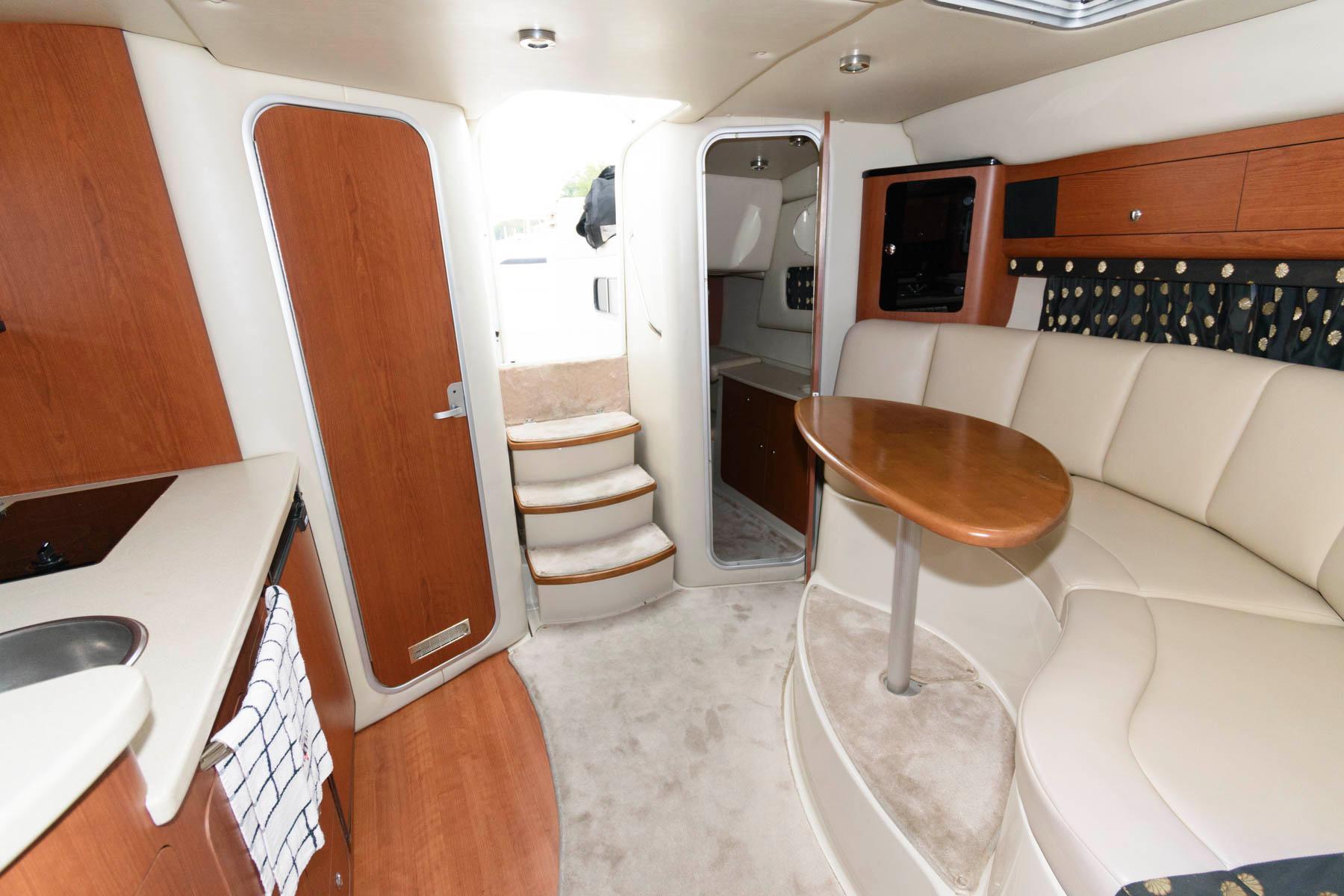 M 6598 VR Knot 10 Yacht Sales