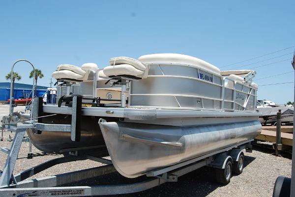 2018 Sweetwater boat for sale, model of the boat is SW 2086F & Image # 1 of 9