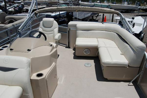 2018 Sweetwater boat for sale, model of the boat is SW 2086F & Image # 2 of 9