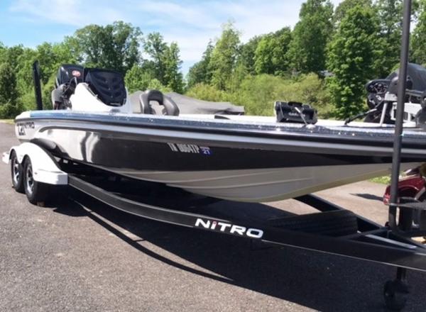 2018 Nitro boat for sale, model of the boat is Z21 & Image # 2 of 14