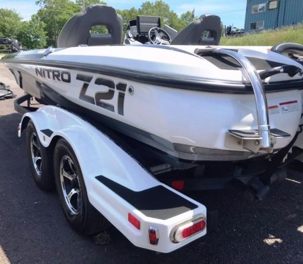 2018 Nitro boat for sale, model of the boat is Z21 & Image # 6 of 14