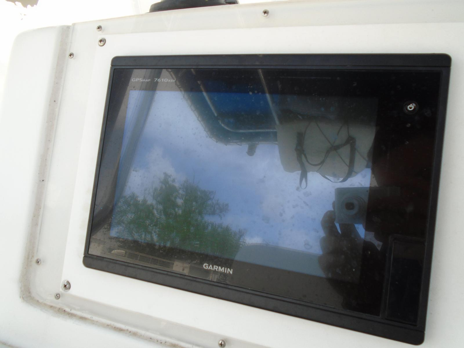 1999 Pro-Line boat for sale, model of the boat is 3000 Sport Cuddy & Image # 11 of 13