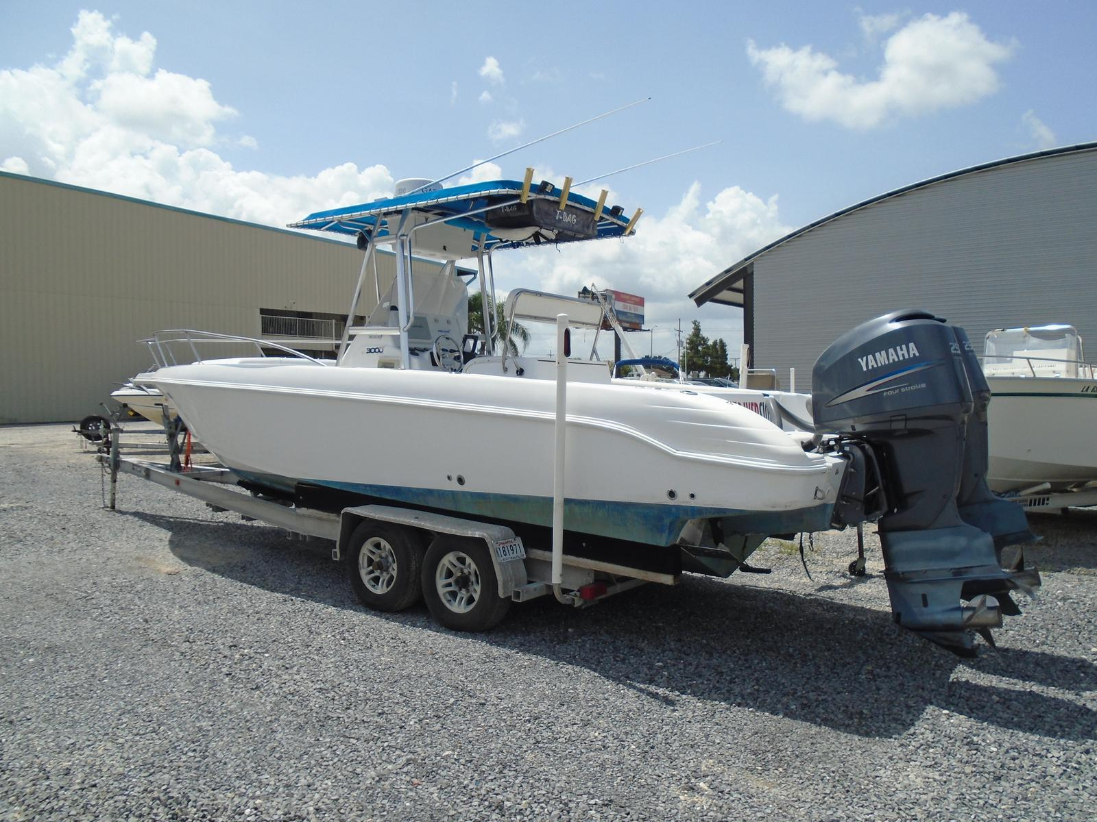 1999 Pro-Line boat for sale, model of the boat is 3000 Sport Cuddy & Image # 4 of 13