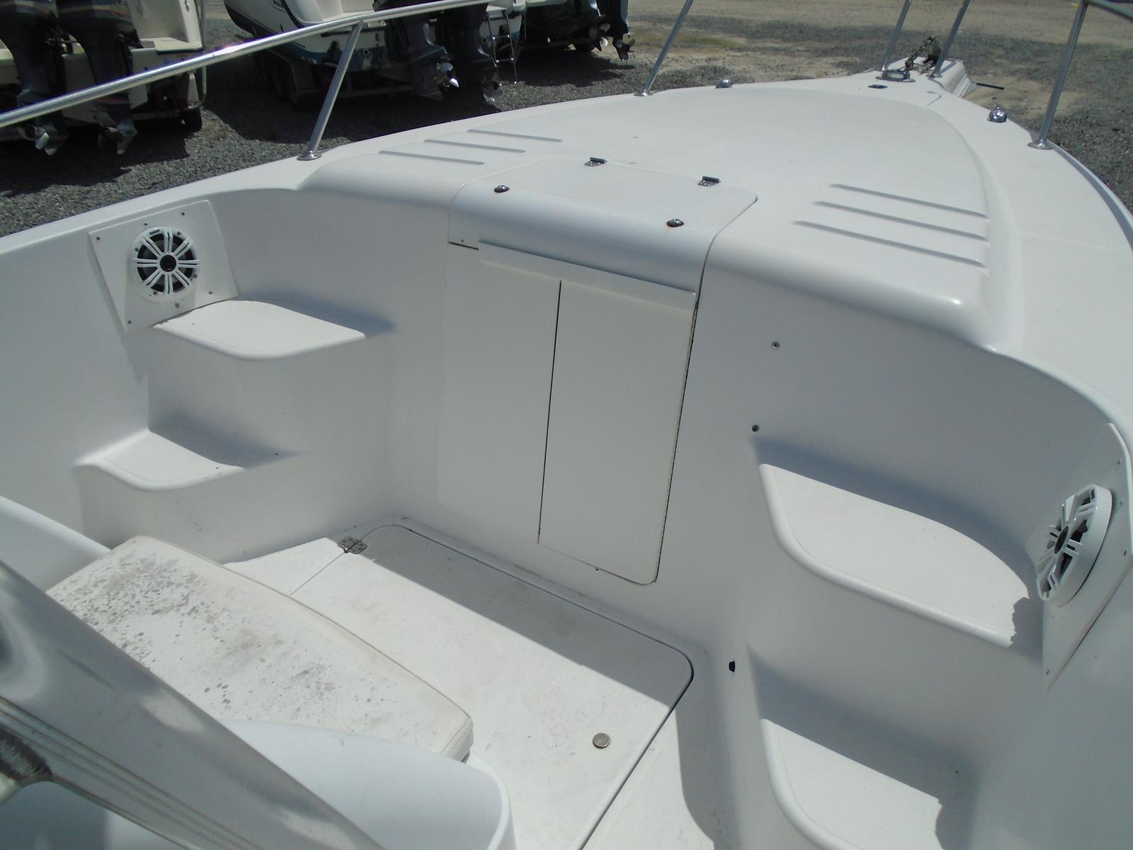 1999 Pro-Line boat for sale, model of the boat is 3000 Sport Cuddy & Image # 8 of 13