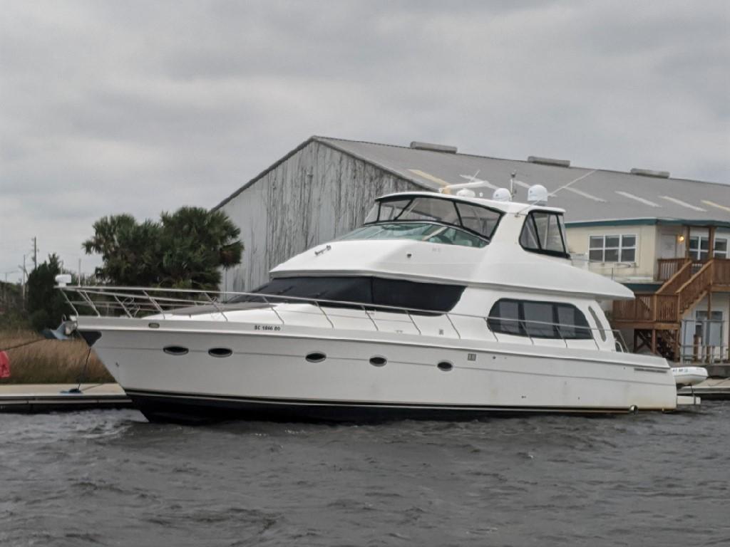 Carver 56 Voyager SE - Port Bow