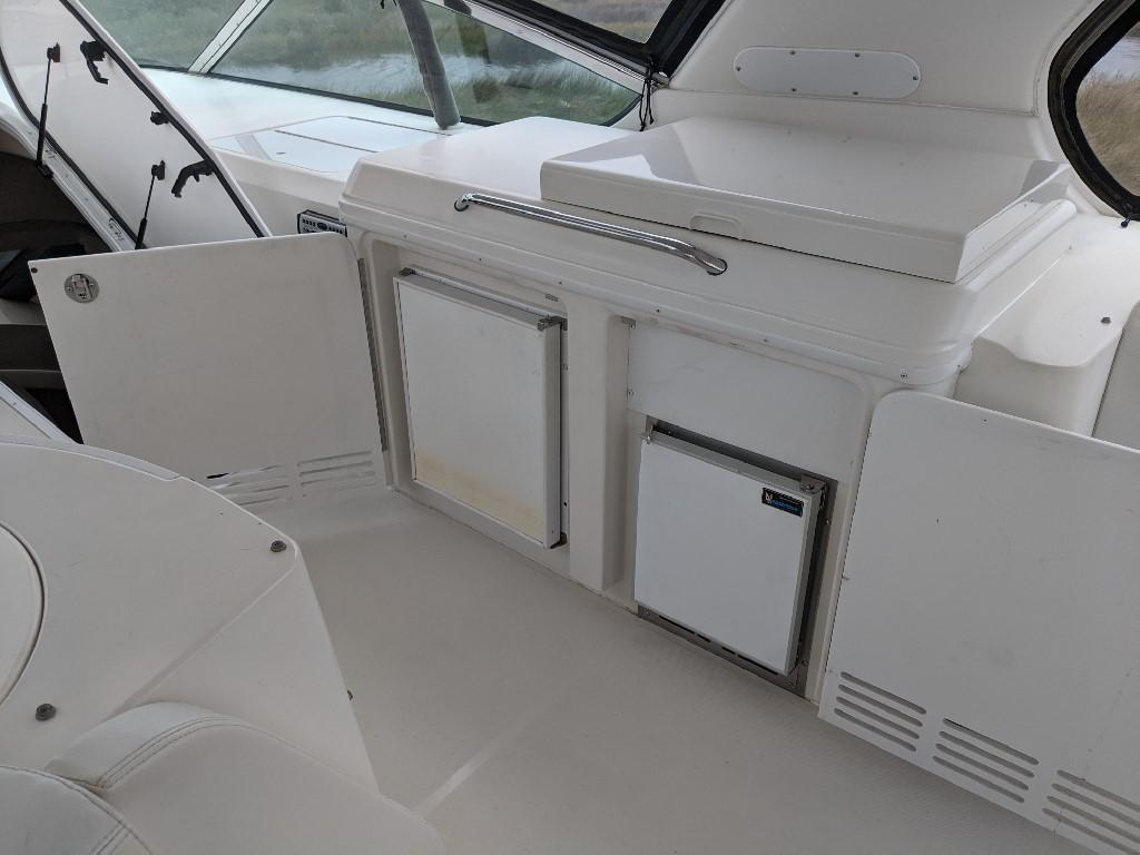 Carver 56 Voyager SE - Bridge Refrigerator and Icemaker