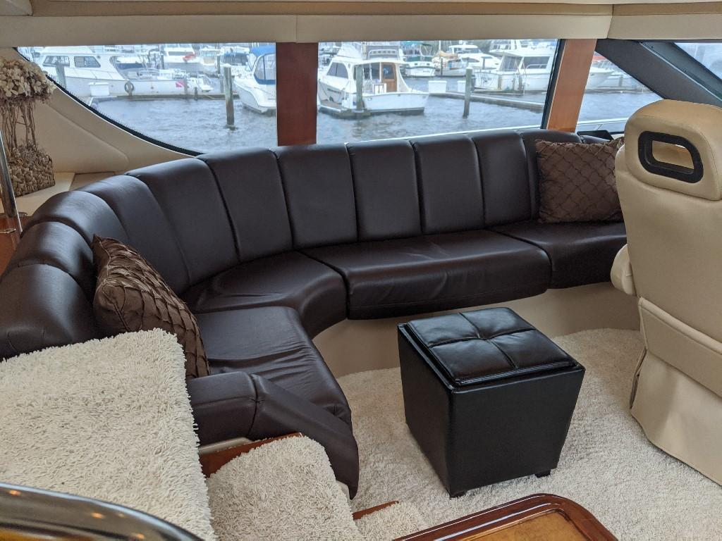 Carver 56 Voyager SE - Pilothouse Seating