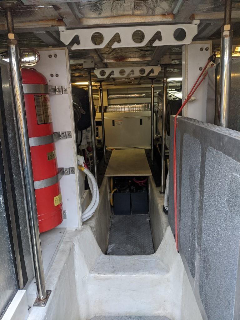 Carver 56 Voyager SE - Engine Room Forward