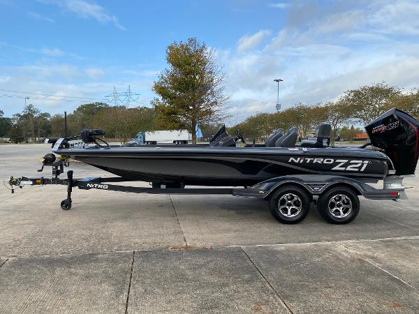 2021 Nitro boat for sale, model of the boat is Z21 & Image # 2 of 70