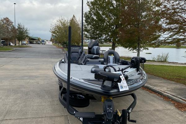 2021 Nitro boat for sale, model of the boat is Z21 & Image # 3 of 70