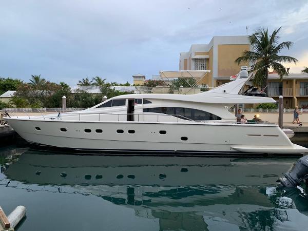 2000 Ferretti Yachts 680 thumbnail