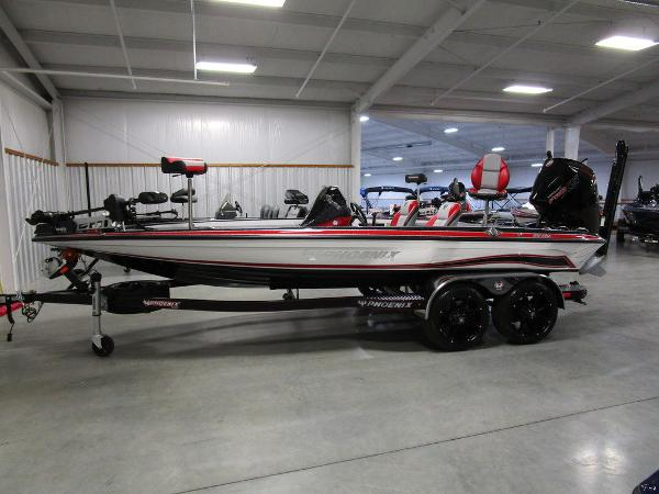2021 Phoenix boat for sale, model of the boat is 920 Elite & Image # 1 of 58
