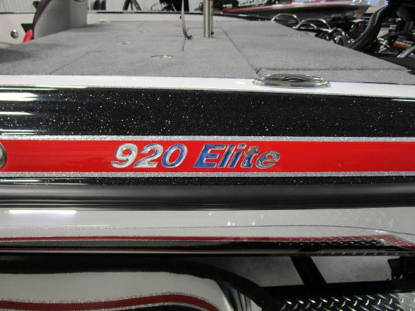 2021 Phoenix boat for sale, model of the boat is 920 Elite & Image # 2 of 58
