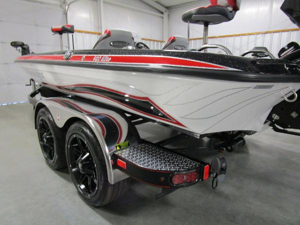 2021 Phoenix boat for sale, model of the boat is 920 Elite & Image # 4 of 58