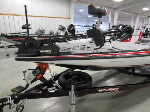 2021 Phoenix boat for sale, model of the boat is 920 Elite & Image # 22 of 58
