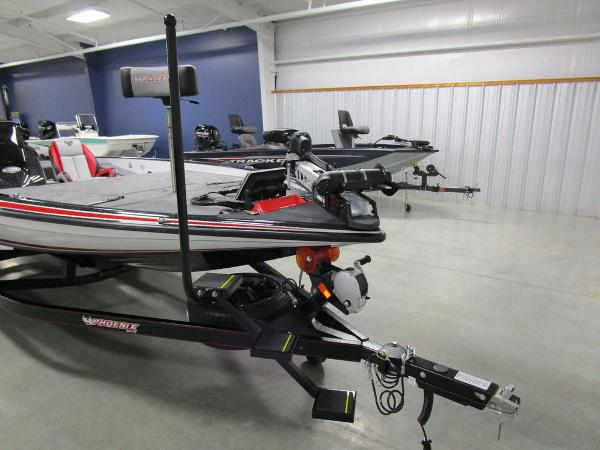 2021 Phoenix boat for sale, model of the boat is 920 Elite & Image # 37 of 58