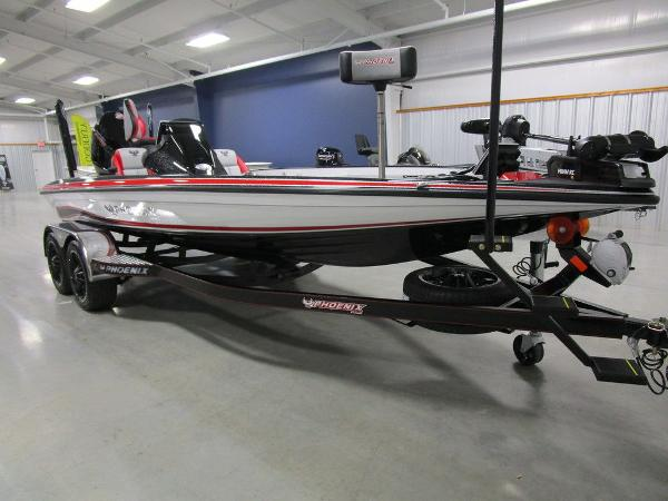 2021 Phoenix boat for sale, model of the boat is 920 Elite & Image # 39 of 58