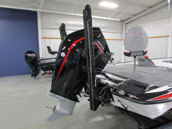 2021 Phoenix boat for sale, model of the boat is 920 Elite & Image # 40 of 58