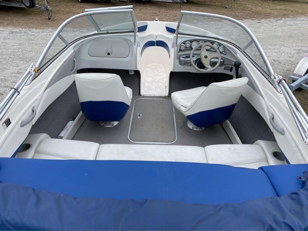 2005 Bayliner International boat for sale, model of the boat is 185 Bowrider & Image # 7 of 12