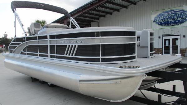 2021 Bennington boat for sale, model of the boat is 22 LSB & Image # 1 of 47