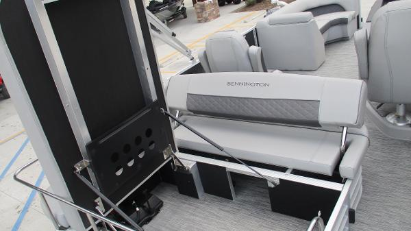 2021 Bennington boat for sale, model of the boat is 22 LSB & Image # 17 of 47
