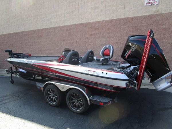 2020 Triton boat for sale, model of the boat is 21 TRX & Image # 4 of 15