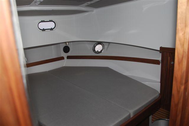 Sargo 36 Fly - forward cabin